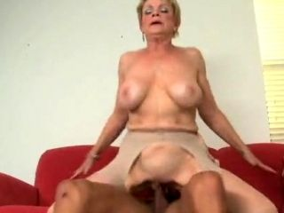 Horny Mature Sucks Cock Like Mad and Gets Her Old Pussy Nailed