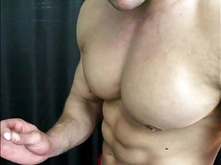 Straight Muscle Trainer Cums In Gym Dungeon (4)