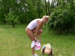 Outdoor nudity porn solo with Cayla A (2)