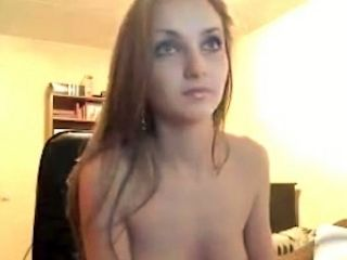 Stunning And Cute White Amateur Teen Babe On Webcam