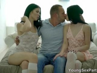 Young Sex Parties - Sensual 3way with cum-swapping (5)