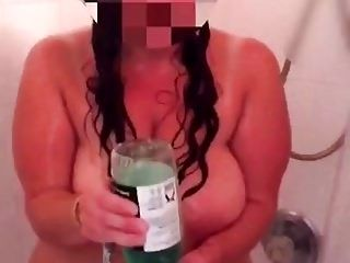 Wife Shaving Pussy (3)