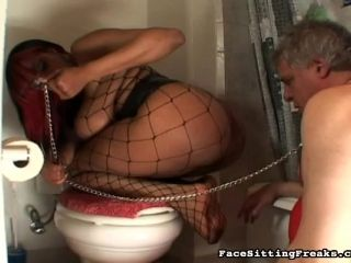 Cute Ebony Is Humiliating This Old Man