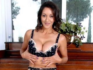 Anilos Persia Monir gently teases her super hairy milf pussy