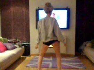Twerking to Candy Shop  50 Cent.flv