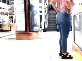 Latina Phat Ass pulling up those jeans