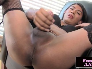 Solo femboy beauty sienna grace rubbing cock