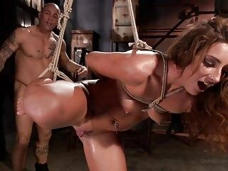 Big Booty In Bondage And Squirting Orgasms. (2)