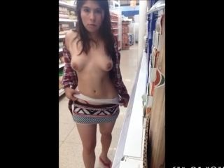 Mexican Amateur Risky Flashing In A Supermarket (6)