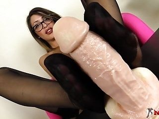 Footjob In Nylons By An Italian Brunette In Glasses (2)