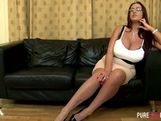 Heavy tittied harlot Emma Butt gets her twat licked and rammed