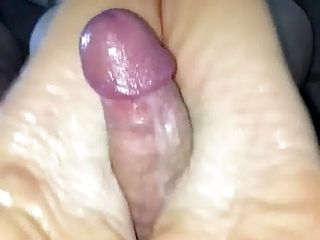 Another great skilled Footjob from my wife with cumshot