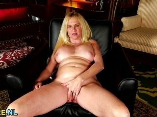 Blonde Housewife Masturbating (3)