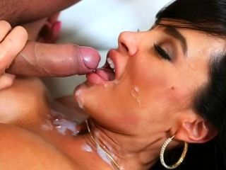 Milf Lisa Ann fuck and facial video