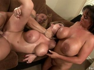Big Nipples Cougar In Ffm Coping Up With Massive Dong Doggystyle (2)