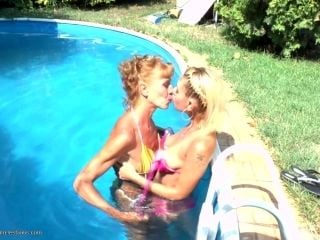 Instead Of Swimming Mature Lesbian Licks Her Babe Pussy