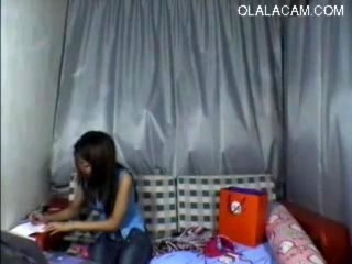 Sensationnal Petite Skinny Chinese Teen Striping And Nude Dancing On Cam (2)