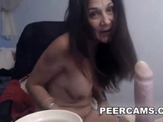 Sexy Mature Amateur Babe Playing With Her Dildo