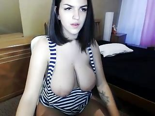 Webcam Big Boobs And Areolas  (12)