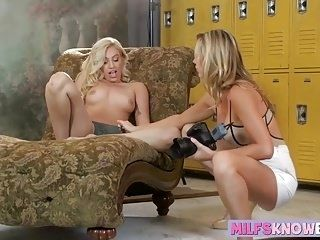 Blonde MILF Brett Rossi and sexy Lyra Law in lesbian session (2)