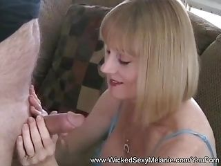 Amateur Housewife Loves Sucking Dick