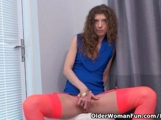 Canadian milf Janice needs getting off (2)