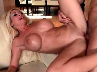 Blonde Hot Mom Laid On Her Back And Deep Banged (6)