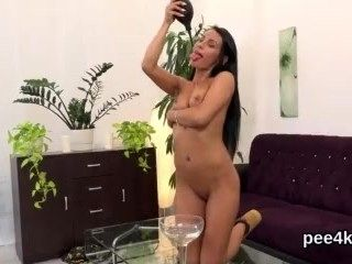 Flawless Cutie Is Pissing And Pleasing Trimmed Twat