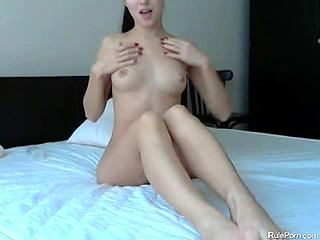 Teen Makes Her Pussy Cum With Hitachi And Toys