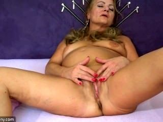 Sexy Old Granny, Granny Masturbate, Mature Play With Herself (2)