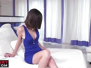 Amazing Girl Loves Riding That Massive Dick While Videotaped (4)