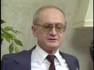 Former KGB Agent Yuri Bezmenov Explains How to Brainwash a Nation (archive)