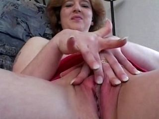 Mature amateur Gives A Private Show