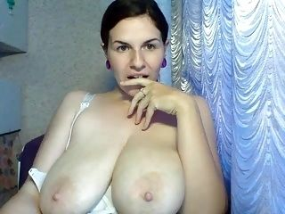 Webcam Big Boobs And Areolas (6)