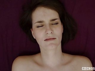 Amateur Girl Reaches Her First Pussy Orgasm (3)