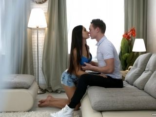 Ravishing Tera Gold gladly spreads her legs fort the incoming penis