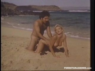 Ginger Lynn fucked on a beach by Ron Jeremy (8)