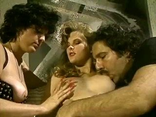 Hermaphrodite Sunset Thomas Plays With Ron Jeremy & Susan Nichols (2)