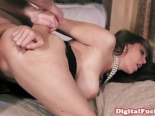 Bigtitted Mature Bosslady Takes Cum In Mouth (4)