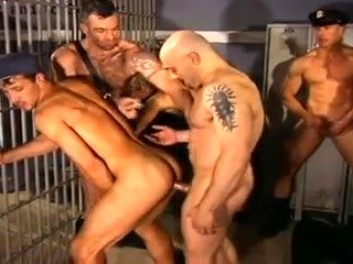 COPS AND PRISONERS HAVE A ROUGH GANGBANE IN PRISON