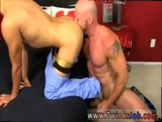 Anal gay boy sex story in hindi Muscled