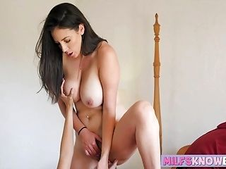 Jelena Jensen and Jenna Sativa licking each others wet cunt (2)