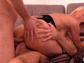LA COCHONNE - Lusty French Mademoiselle Justine loves DP and double pussy in MMF action (2)