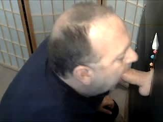 SUCKING STR8T GUY AT GLORYHOLE
