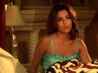Eva Longoria - Desperate Housewives (2011) S8E01 Cleavage