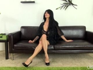 Curvy Tera Patrick is sexy in her black lace lingerie