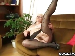 Her Old Shaggy Cunt Riding My Cock (4)
