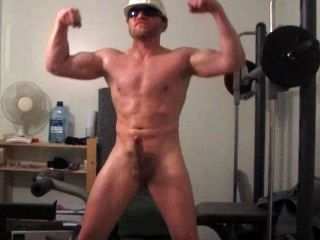 Muscular Builder Horny & Pumped Up After A Hard Days Labouring.