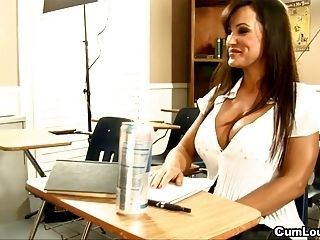 MILF Lisa Ann Learning spanish while Giving a Blowjob