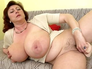 Busty Natural Mature Super Mothers